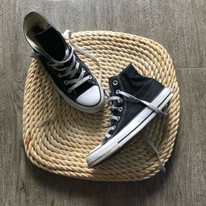 black high top converse sneaker